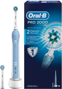 Oral-B Pro 2 2000 - electric toothbrush
